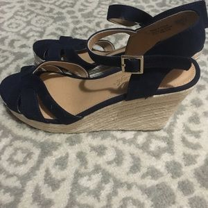 Navy blue wedges. Only worn once.